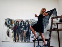 contemporary art mary dee